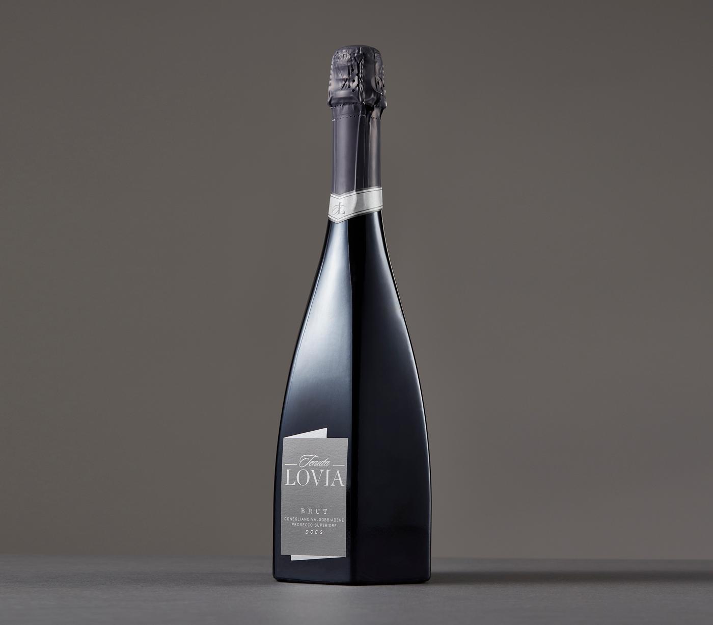 Prosecco Lovia - Un design pensé par l'agence de design de Paris Partisan du Sens.